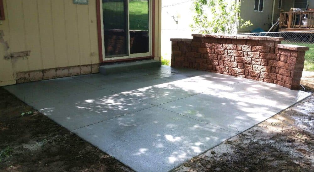 Concrete Patio W Free Standing Wall Water Drainage