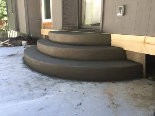 Curved Concrete Steps & Patio